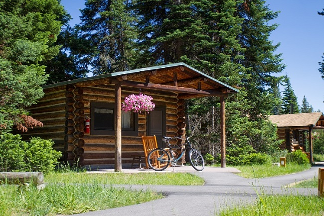 Old West Style Historic Log Cabins At Jenny Lake Lodge That Are Very Nicely  Appointed With Down Comforters, Luxurious Linens, Hand Made Quilts And Hand  Made ... Part 74